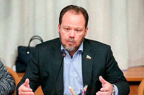 Данелия был мастером мирового уровня, считает депутат Шолохов