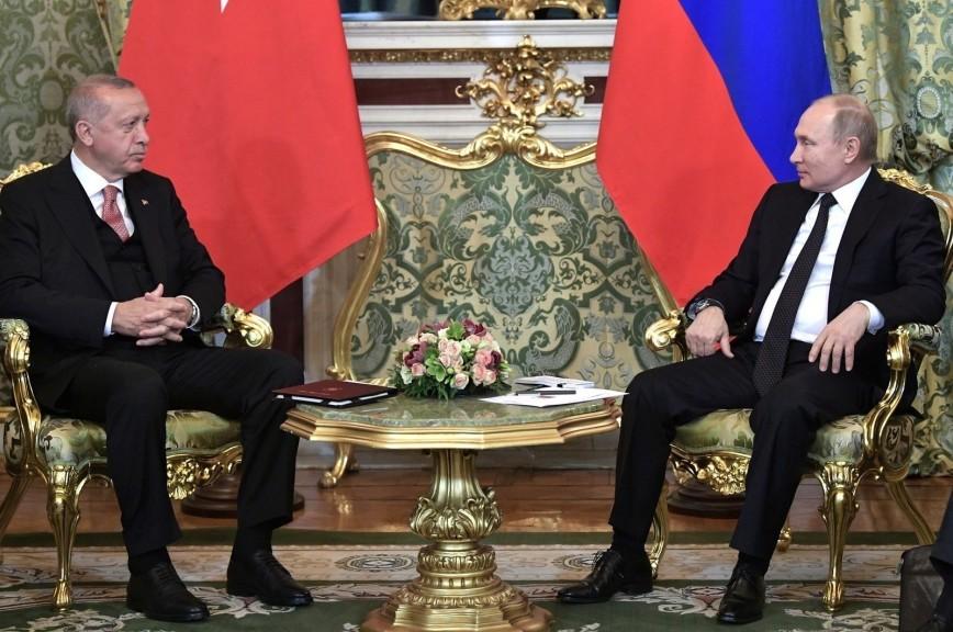 Россия и Турция отменят визы для водителей грузовиков