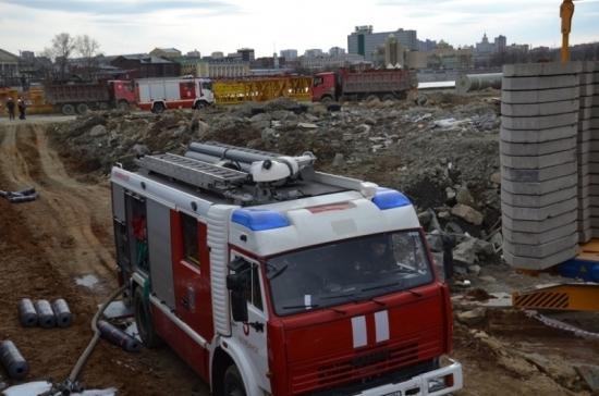 В Челябинске потушили пожар на строительной площадке