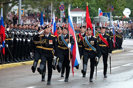 Пять тысяч военнослужащих примут участие в парадах в Крыму в честь Дня Победы