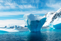 Стратегия России в Арктике вынуждает страны НАТО менять ориентиры, считает аналитик