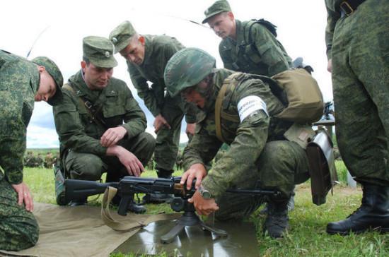 В Российской Армии могут появиться политруки