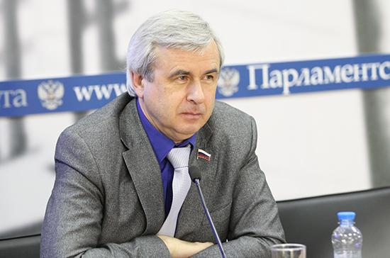 Лысаков призвал создать в России «доброжелательную дорожную инфраструктуру»