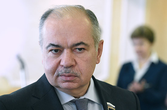 Умаханов пригласил бизнес Катара на Петербургский экономический форум