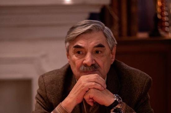СМИ: актёра Панкратова-Чёрного сняли с рейса в Барнауле