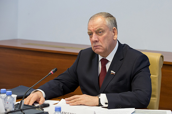 Митин призвал выработать решения по поддержке развития рыболовецкого флота