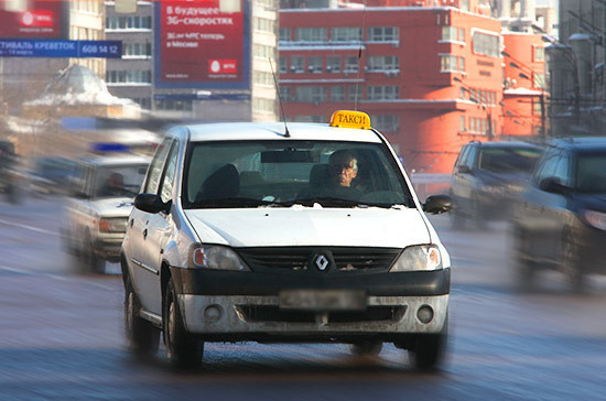 В Мосгордуме предложили установить алкозамки на машины такси