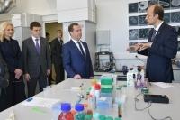 Медведев предложил расширить программу льготной ипотеки для ученых