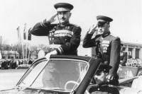 Минобороны показало уникальные фото советских полководцев с парадов