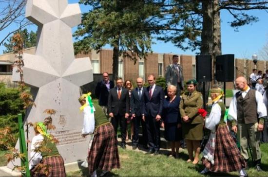 В Чикаго открыли памятник командиру литовских «лесных братьев»