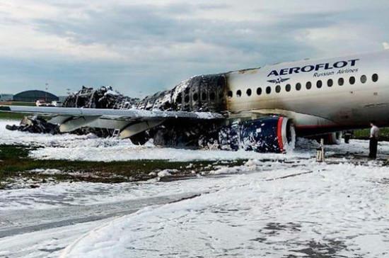 Медведев: компенсации пострадавшим в катастрофе SSJ выплатят без задержек