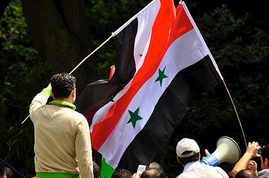 В Дейр-эз-Зоре продолжаются протестные демонстрации населения