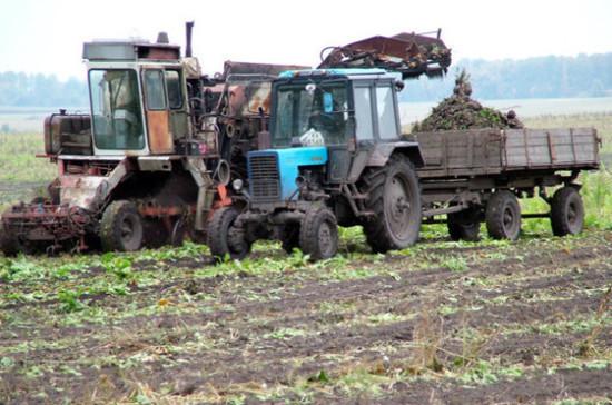 Правительство направило три млрд рублей на обновление сельхозтехники