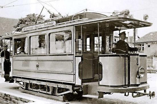 Где появился первый в мире трамвай