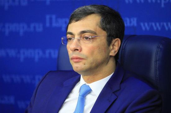 Гутенев рассказал, какие задачи стоят перед Сердюковым на посту главы ОАК