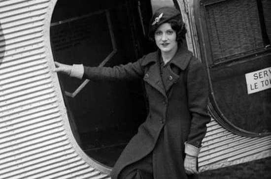 Первая в мире стюардесса мечтала стать пилотом