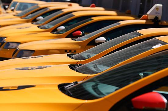 Минтранс предложил урегулировать оснащение автомобилей тахографами