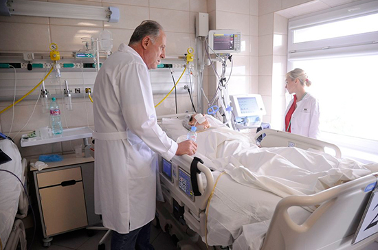 Родственники пациентов смогут навещать близких в реанимации