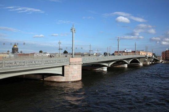 В Петербурге протестируют обновлённую подсветку Благовещенского моста