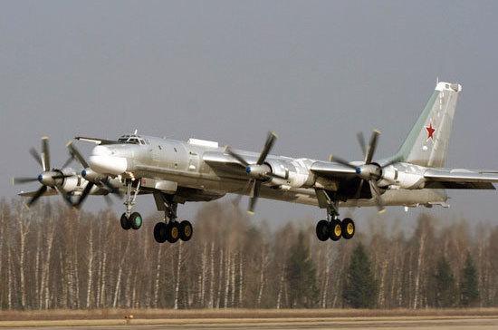 В Миноброны РФ рассказали о длительном полёте ракетоносцев Ту-95МС над Аляской