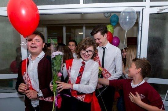 Губернатор Краснодарского края поздравил выпускников с окончанием школы
