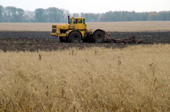 Земельный участки предлагают изымать в счёт долга до завершения сельскохозяйственных работ