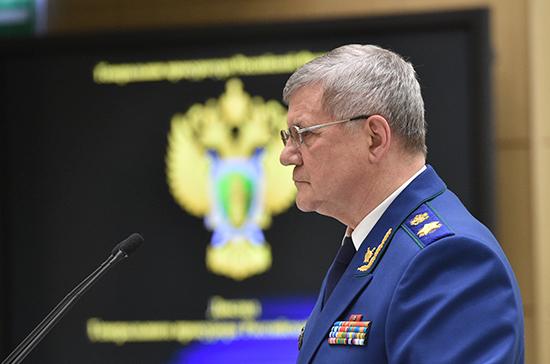 В России возбуждено около 300 уголовных дел из-за ошибок с начислением пенсий, сообщил Чайка