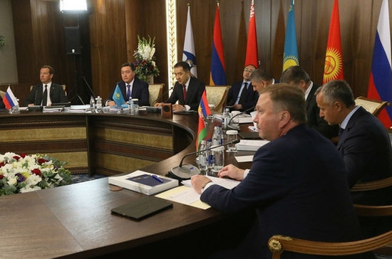 Минтруд России: по соглашению ЕАЭС о стаже пенсию будет выплачивать страна, где он приобретён