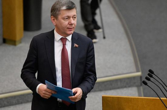 В Госдуме оценили призыв Зеленского сохранить санкции против России