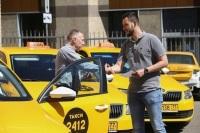 Законодатели предложили проверять опыт и вежливость таксистов