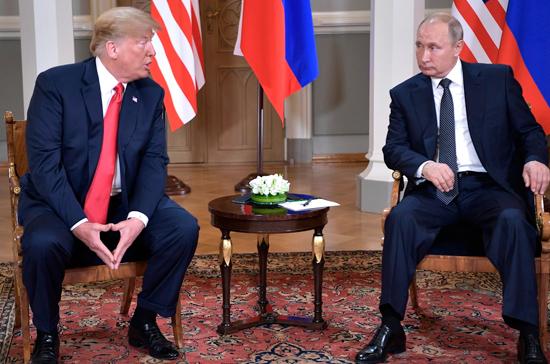 Ушаков: из Вашингтона не поступало конкретных предложений по встрече Путина с Трампом