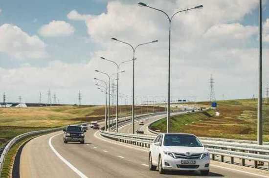 На участке трассы «Таврида» у Крымского моста запустили движение по четырём полосам