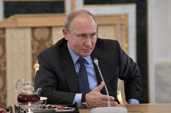 Путин: Москве и Лондону надо перевернуть в отношениях страницу со шпионами и покушениями