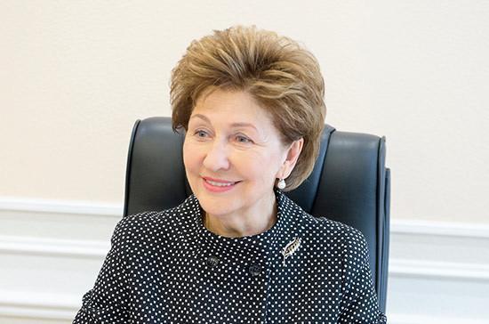 Карелова: взаимодействие государства, общества и бизнеса помогло решить многие проблемы детей