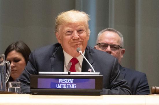 Трамп примет решение по новым пошлинам на товары из КНР после встречи с Си Цзиньпином