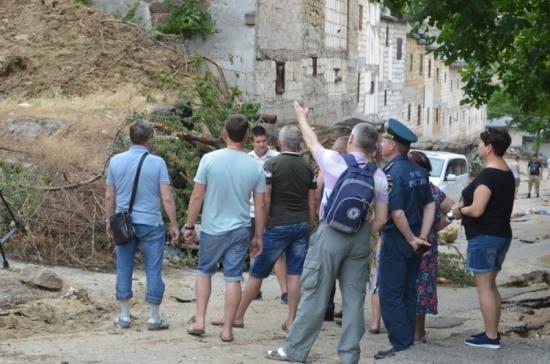 В Севастополе решили снести повреждённые ливнем гаражи