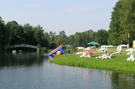 В Подмосковье подготовили 290 мест для купания