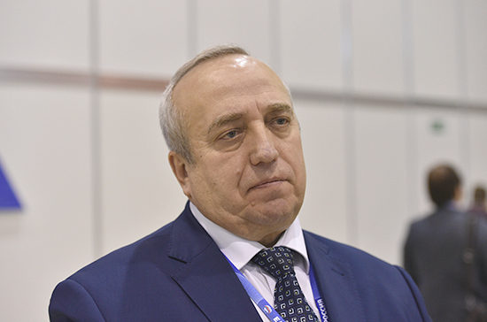 Клинцевич поздравил россиян с Днём России