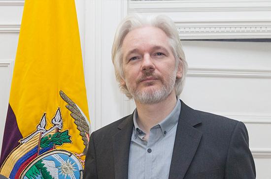 Глава британского МВД подписал запрос США об экстрадиции Ассанжа