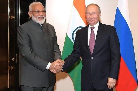 Путин пригласил премьер-министра Индии на ВЭФ в качестве главного гостя