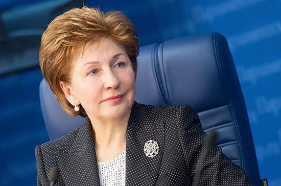 Карелова: в Совфеде готовы подключиться к разработке проекта по повышению пособия на детей