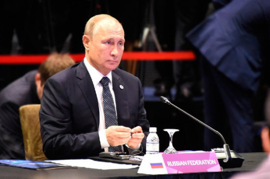Путин призвал выпускников определиться с профессией и стать грамотными специалистами