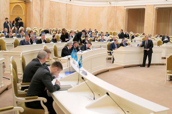 Петербургское Заксобрание приняло за год 160 законов