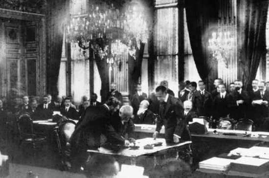 Версальский договор перекроил карту Европы