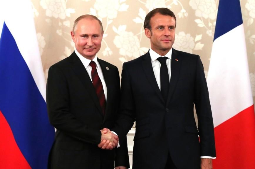 Путин пригласил Макрона в Москву на 75-летие Победы