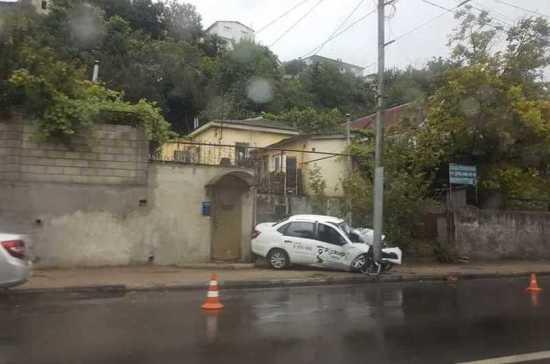В Севастополе в ДТП с такси погиб человек