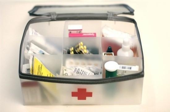 Почему в аптечках на транспорте можно найти просроченный нашатырь