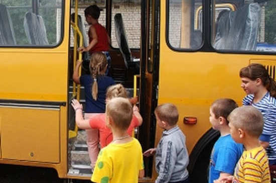 Перевозка детей в летние лагеря станет более безопасной
