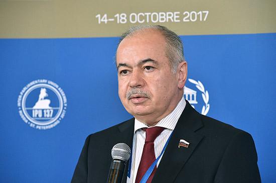 Умаханов отметил роль парламентов России и Индонезии в развитии экономических связей между двумя странами