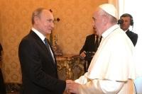 Путин рассказал, что говорил с папой римским о Толстом и Достоевском